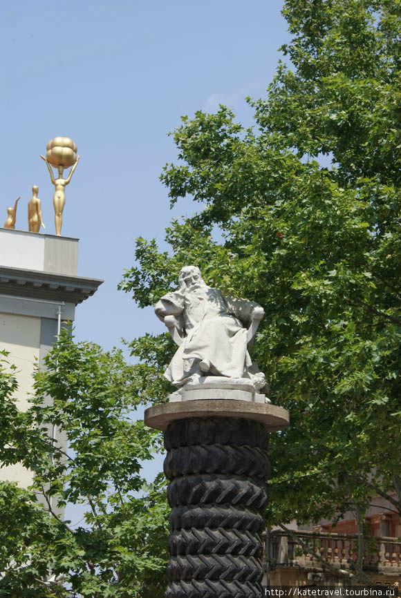 Памятник художнику Жан-Лу