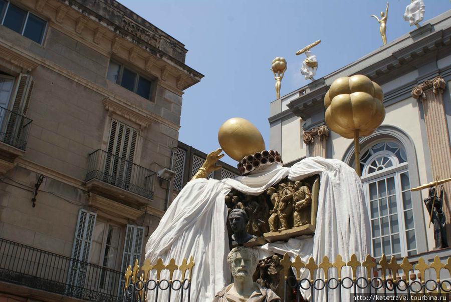 Памятник гению каталонской мысли Франсеску Пужольсу