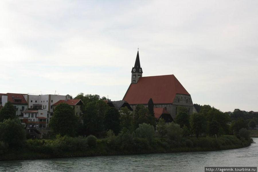 Соборная церковь — вид с моста
