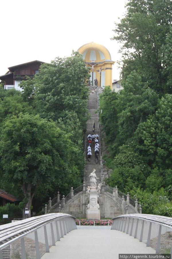Процессия на лестницу Голгофы