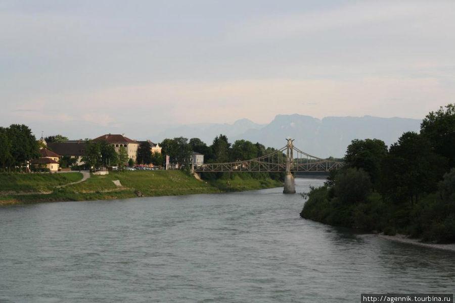 Вид на Зальцах и Альпы