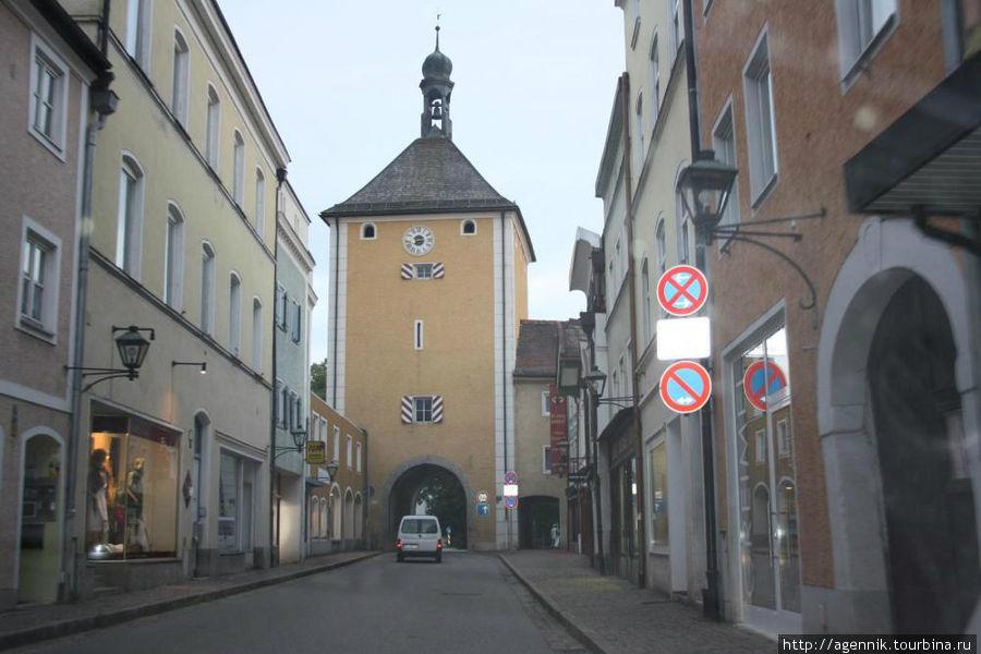 Ворота в башне — источник постоянных пробок в Лауфене
