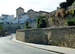 Вид на крепостную стену и Дворец Башен