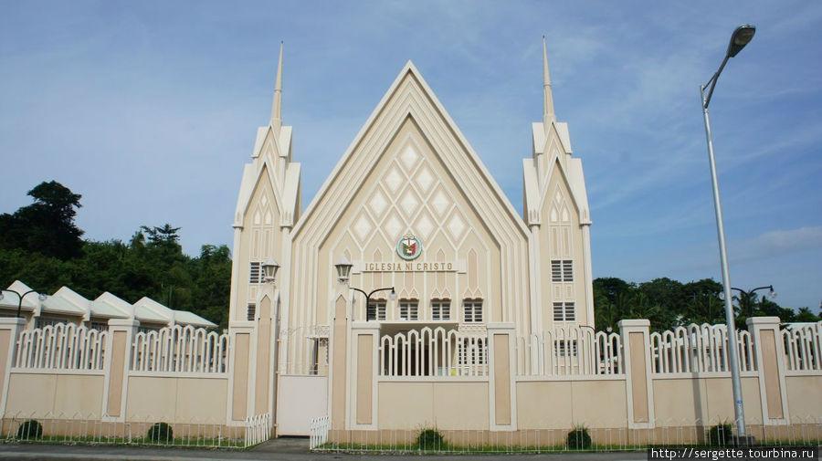 Iglesia ni Cristo. Точь в точь такие же стоят по всем городам и весям филиппинским