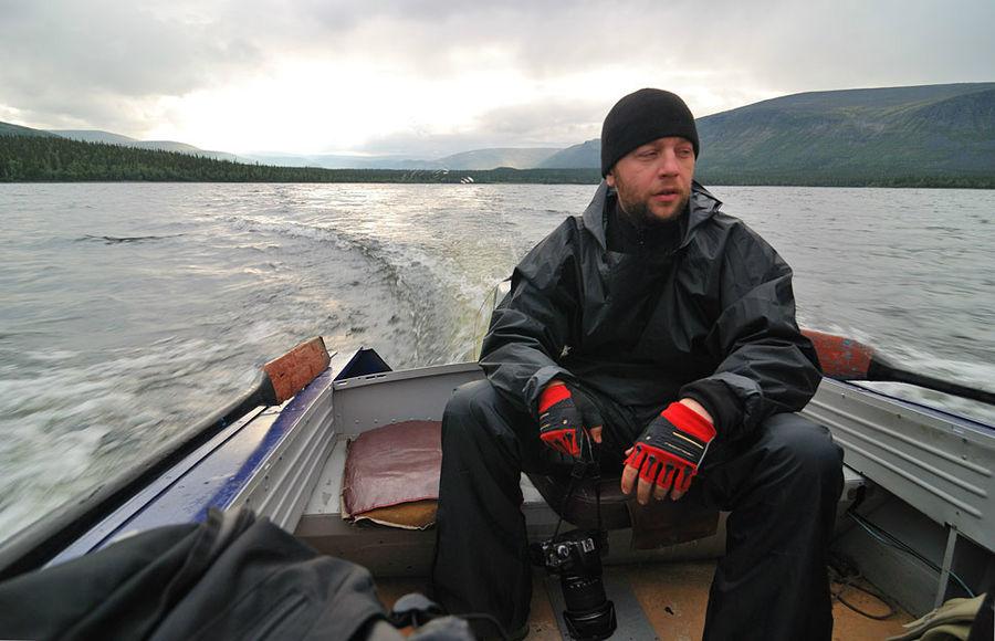 Едем на моторке по оз.Ловозеро. Домой