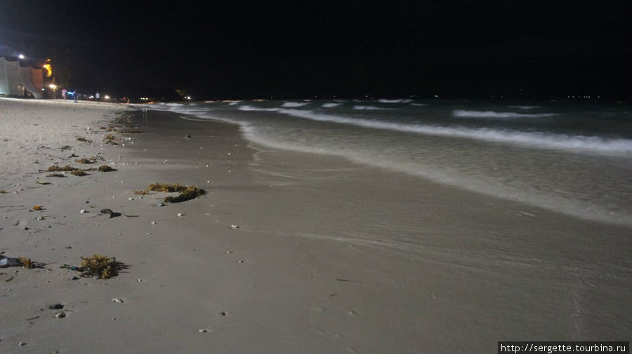 Ночной пляж Боракая