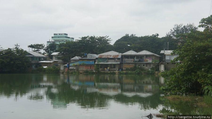 ООзеро в центре городка