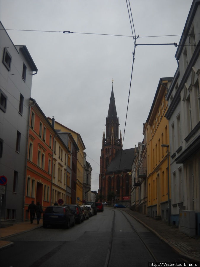 Церковь в створе одной из улиц