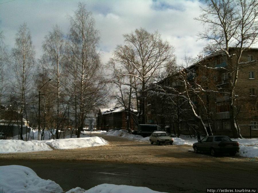 перекрёсток улиц Октябрьской Революции и Заводской Рошаль, Россия