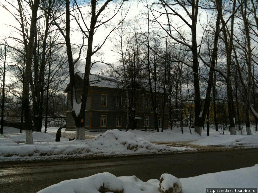 деревянная довоенная застройка города Рошаль, Россия