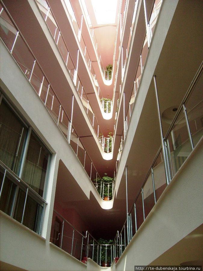 Необычная архитектура отеля.