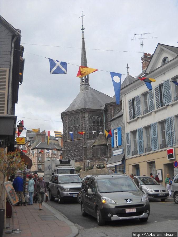 Вид на здание церкви