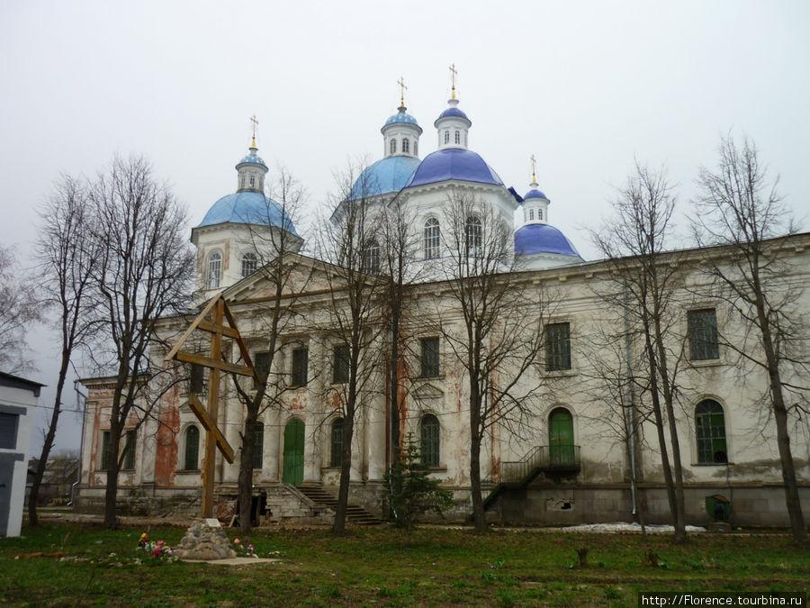 Воскресенский собор в самом центре Кашина
