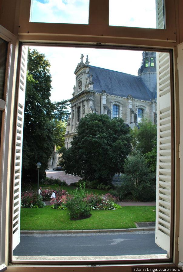Вид на церковь Сан-Венсан