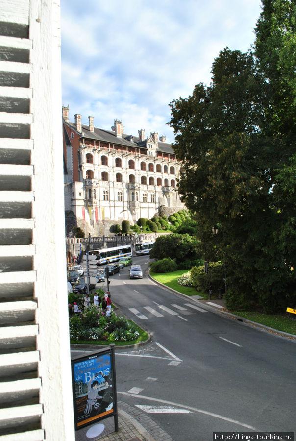 Вид на фасад лож замка Блуа