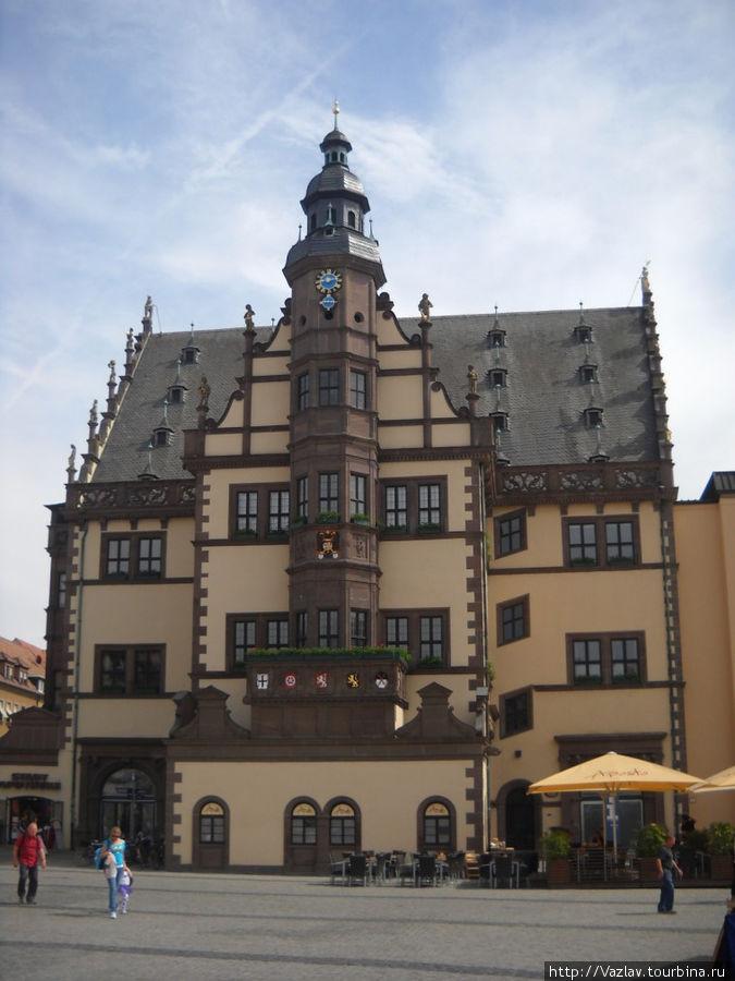 Вид на ратушу