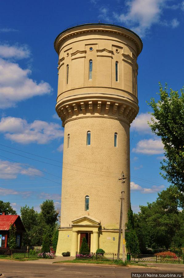 Башня была построена в 1953 году. В 2006 году в ней был открыт Природно-экологический музей.