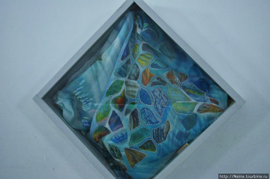 4 этаж. Выставка художницы Галины Худницкой «Зимние грёзы». Тематика моря.