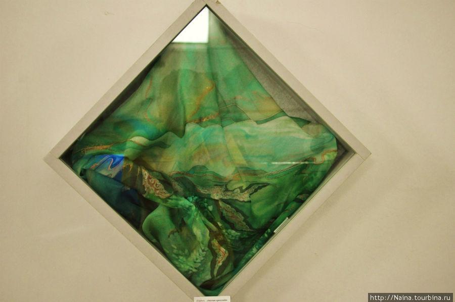 4 этаж. Выставка художницы Галины Худницкой «Зимние грёзы».