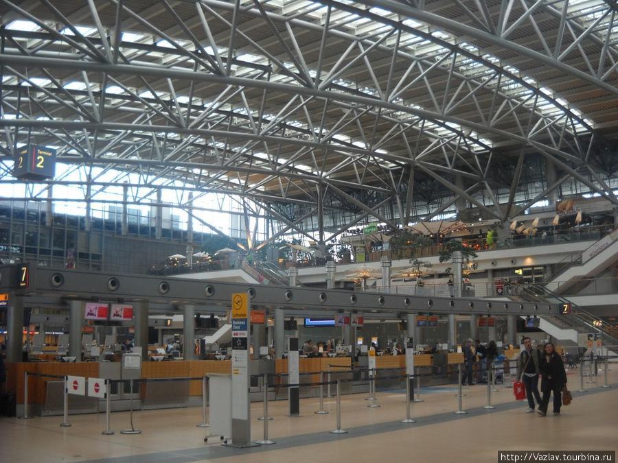Главный зал аэропорта