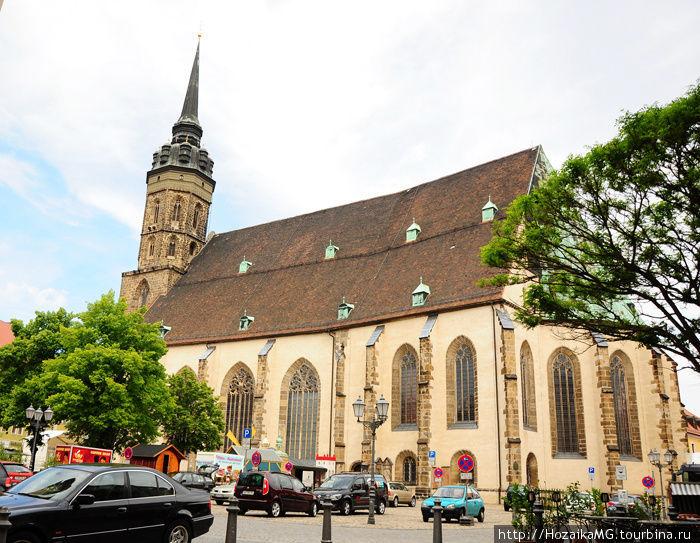 Собор Святого Петра. Символ мирного сосуществования двух религиозных концепций.