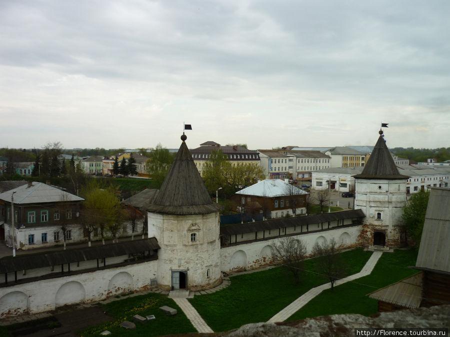 Вид с обзорной площадке на колокольне Юрьев-Польский, Россия