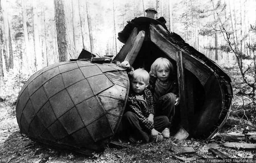 Дети военнослужащих расквартированной на Коневце в.ч. (фото советского периода)