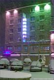 Вид на наш отель, немного метет :)