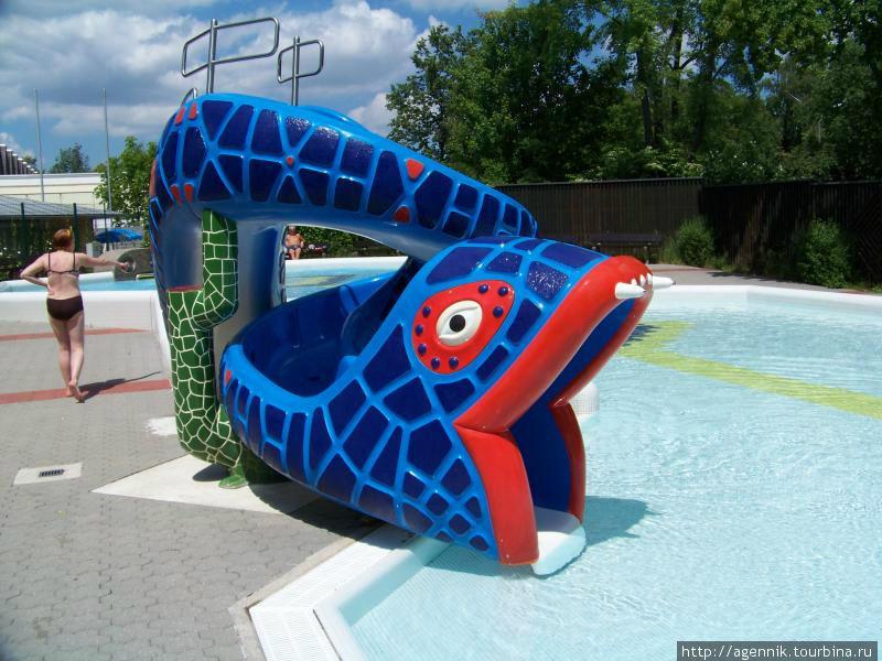 Детский бассейн — горка