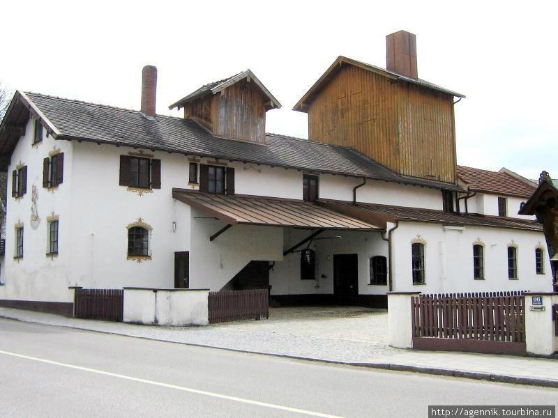 Хозяйственные постройки в старой части