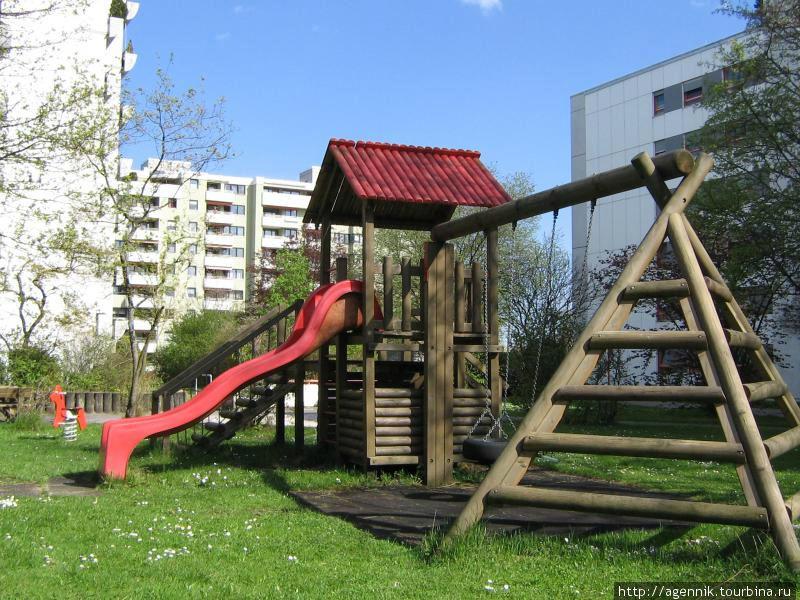 Детская площадка на Лена Кристмас штрассе
