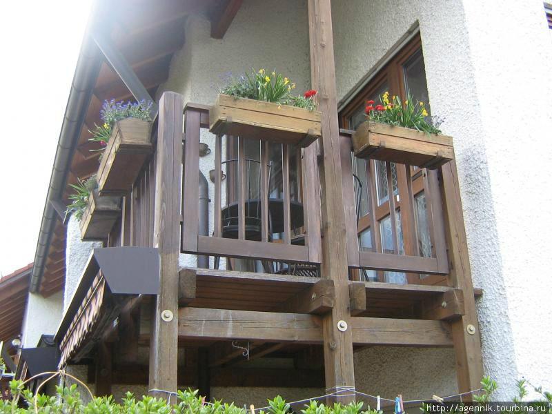 Весенний наряд для балкона