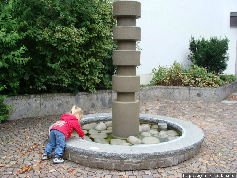 Еще один фонтан возле Ратхауза