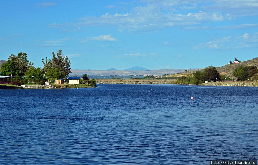 Река Мэтхау, недалеко от места её слияния с Колумбией.