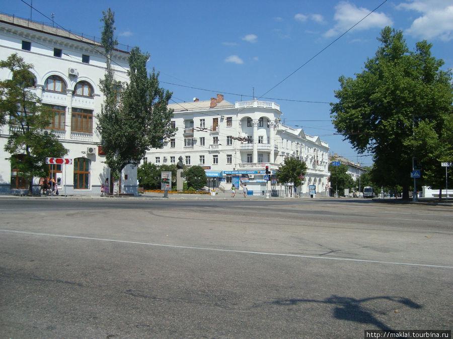 Площадь А.Суворова.