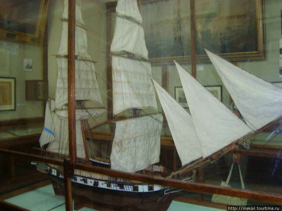 Макет боевого парусного судна.