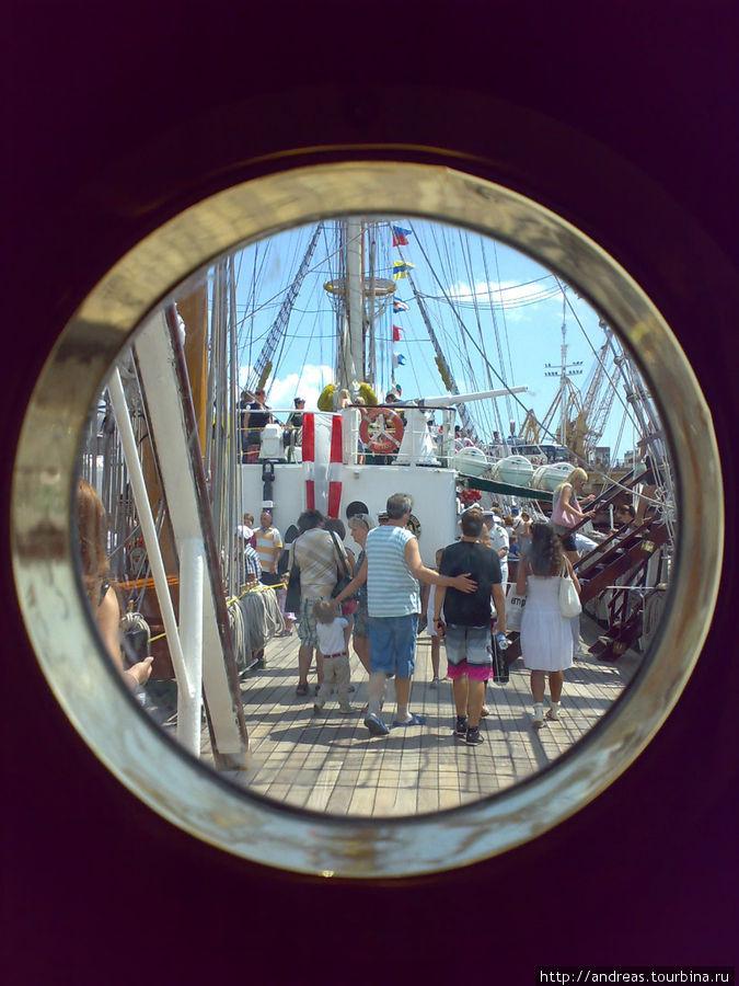 На борту парусника