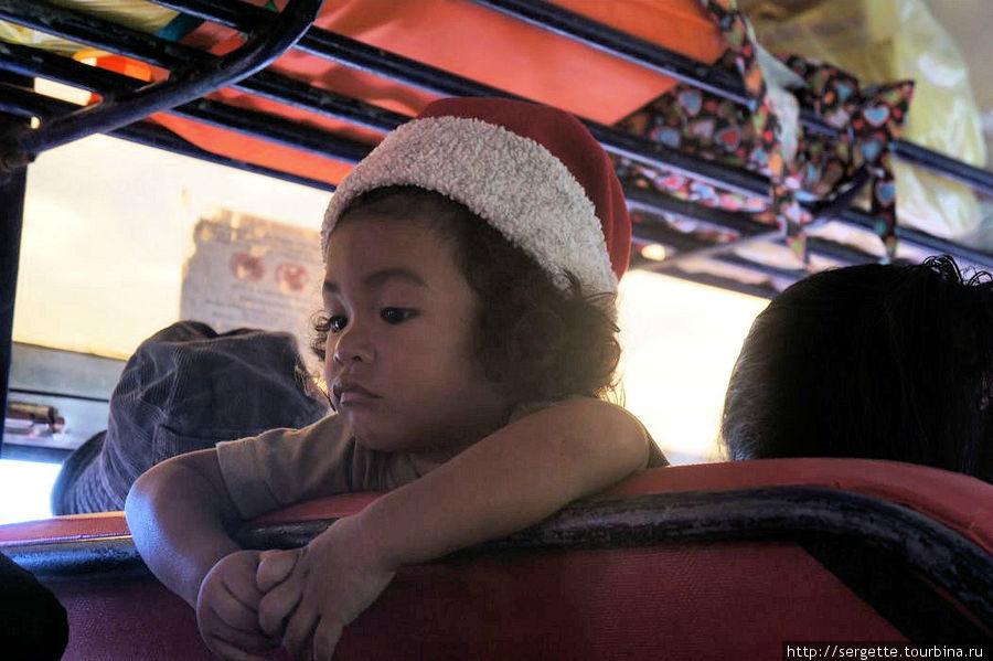 Санта Клаус в автобусе