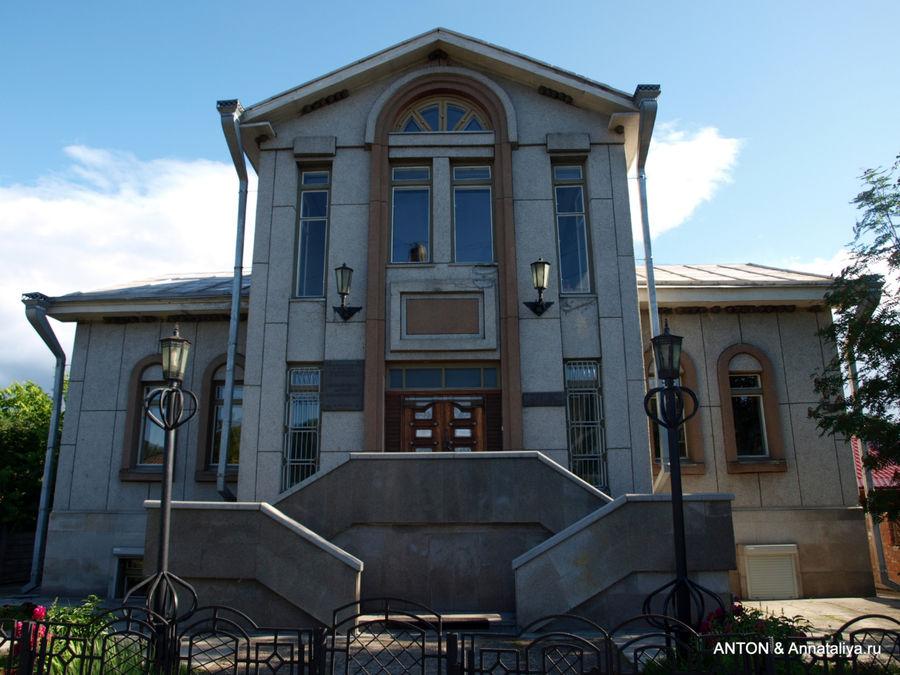 Овсянка. Библиотека, которую построил Виктор Астафьев.