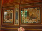 34 деревянных панно, расписанные Жаном Монье, иллюстрируют роман Сервантеса