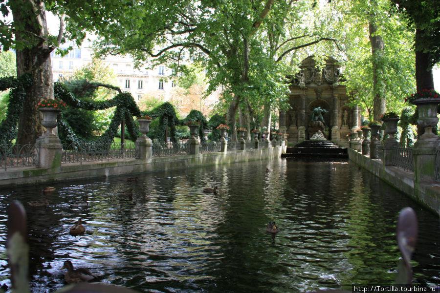 Париж. Люксембургский сад. Фонтан Марии Медичи