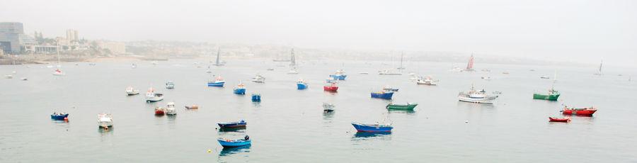 Вторая лодочная панорама. Тоже Cascais. Было пасмурно и шел мелкий дождик. Попали, кстати, на America´s Cup, но снимать там было нечего. Просто соревнования по яхтингу.