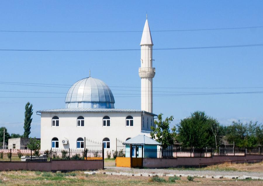 Мечеть на границе с Азербайджаном.