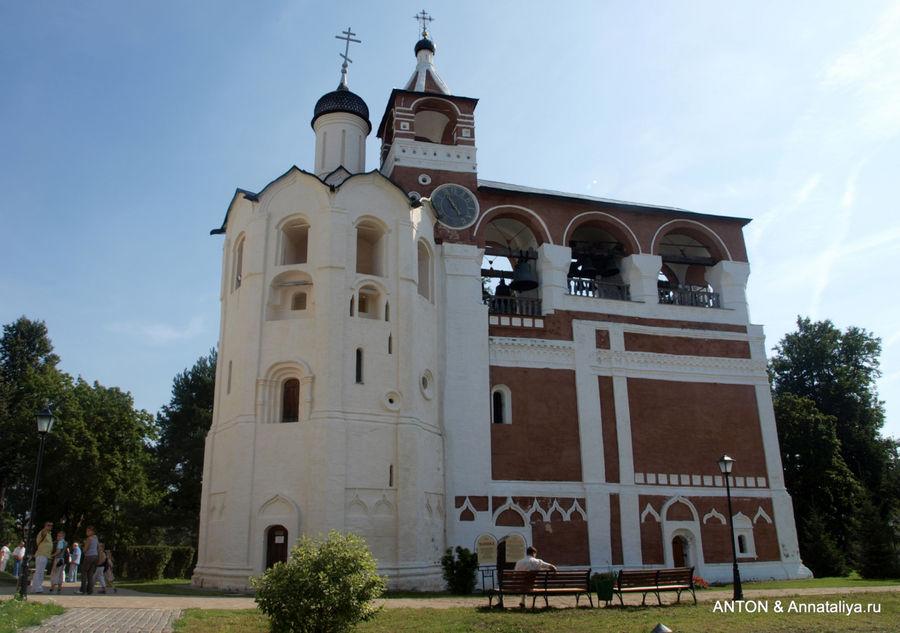 Звонница Спасо-Евфимиева монастыря.