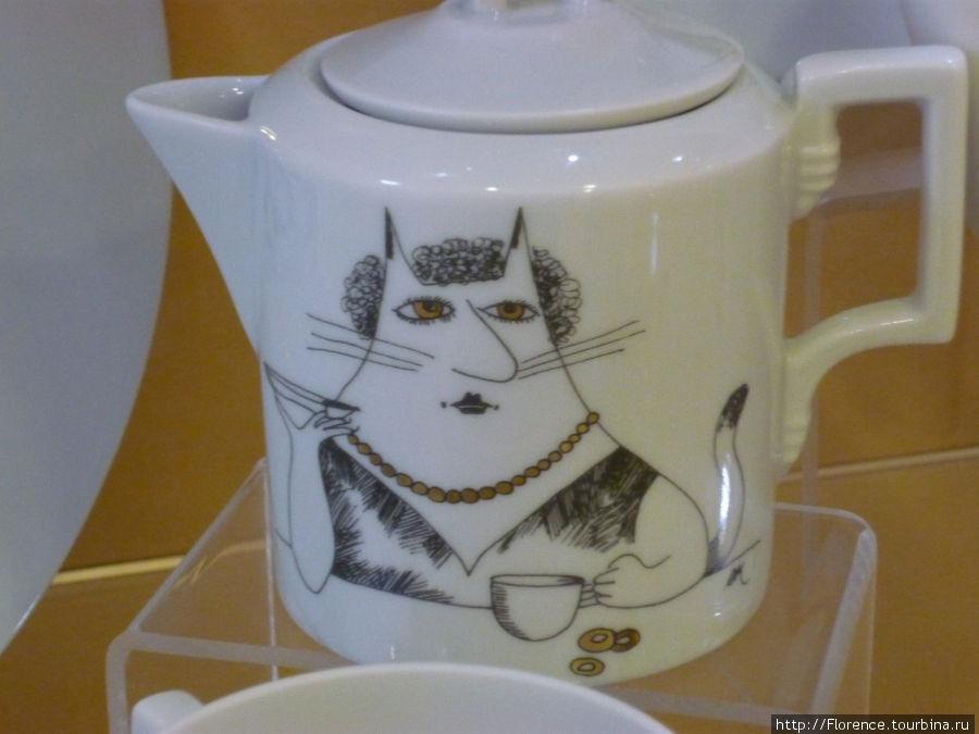 Чайник их сервиза Five o'кот
