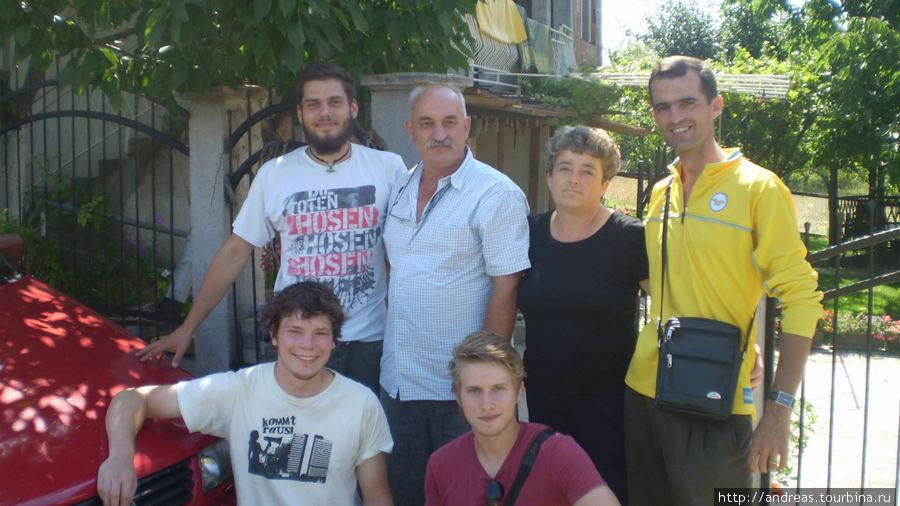 Нас провожали немцы и македонцы