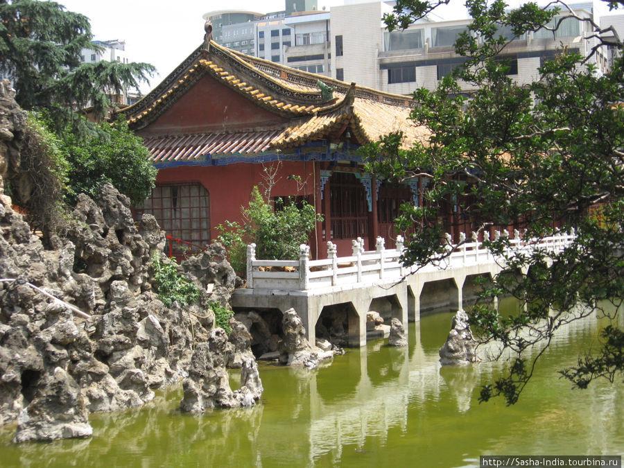 Буддийский храм Yuantong Si Куньмин, Китай