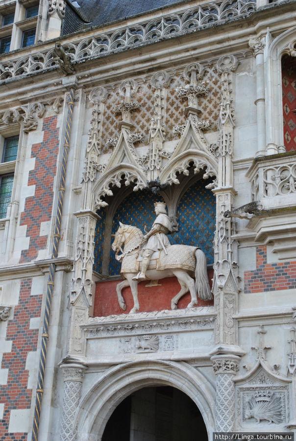 Замок Блуа, крыло Людовика XII.