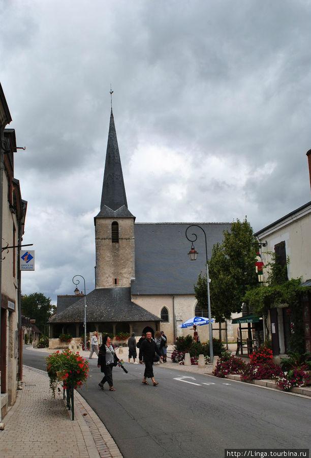 Церковь в Шеверни, около которой останавливается автобус TLC.