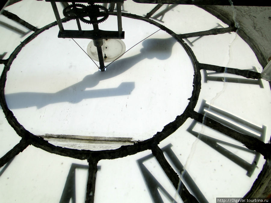 Портал циферблата часов датирован 1536 годом